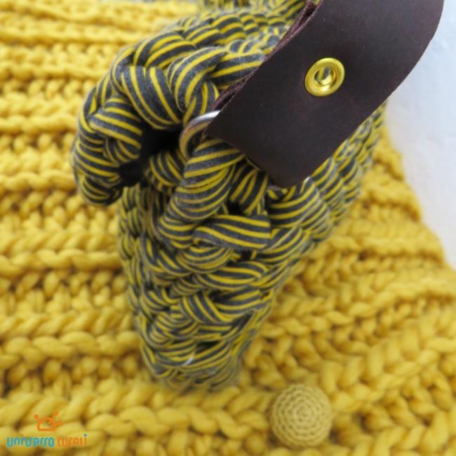asa-de-cuero-bolso-amarillo-de-crochet